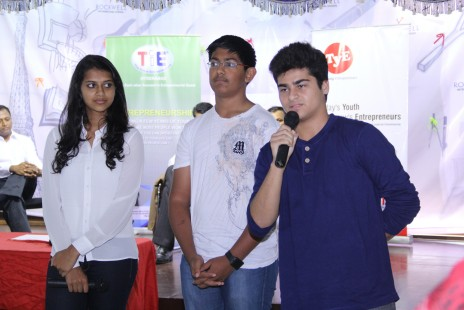 The-winners-of-2013-2014-season-which-represented-TYE-hyderabad-and-presented-its-business-plan-in-Global-competition-in-Canada-sharing-their-experience-with-prospective-participants-of-new-season